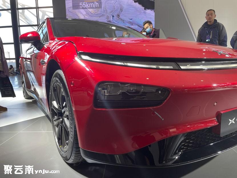 [2020昆明车展]小鹏汽车P7静态实拍 超长续航和更优秀的自动驾驶