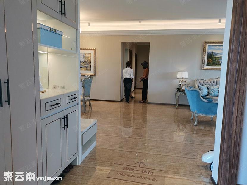 [看房日记]建水碧桂园YJ215户型样板房 实拍鉴赏